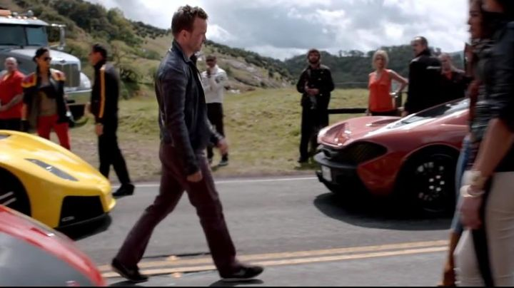 Fashion Trends 2021: The pair of chaussuress Nike Aaron Paul in the movie Need For Speed