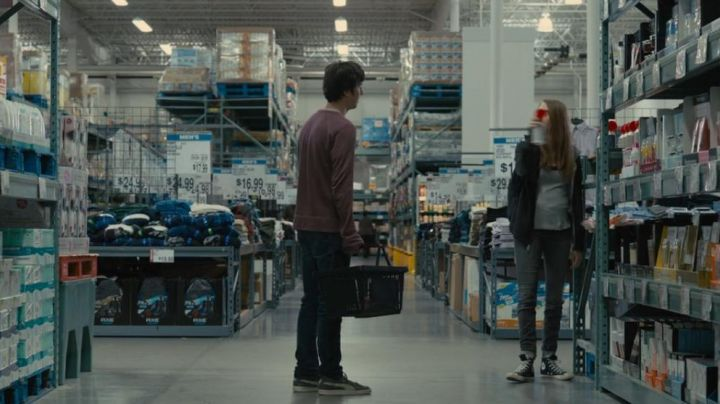 """The pair of sneakers Puma grey Quentin in """" Paper Town - Movie Outfits and Products"""