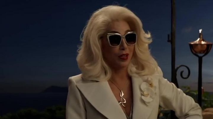 The pair of sunglasses Ruby Sheridan (Expensive) in Mamma Mia 2: Here We Go Again - Movie Outfits and Products