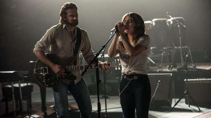 The pants and the striped Ally (Lady Gaga / Stefani Germanotta) in A Star Is Born movie
