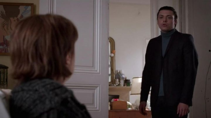 The pants clip black Alex (Kev Adams) in Son - Movie Outfits and Products