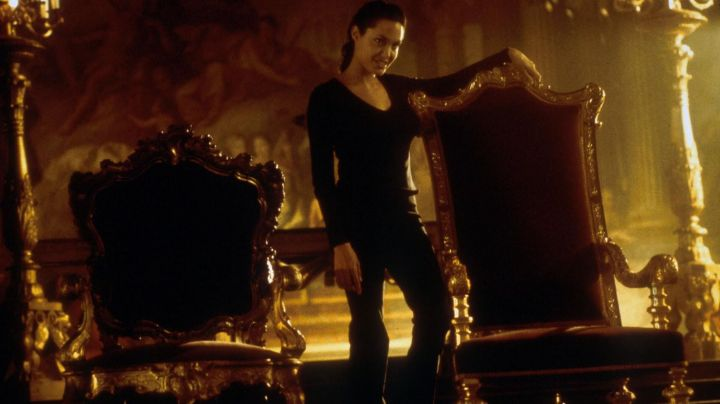 The pants of Lara Croft (Angelia Jolie) in Lara Croft : Tomb raider - Movie Outfits and Products