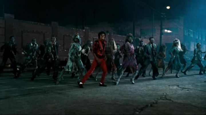 The pants of Michael Jackson on the title Thriller in Moonwalker (Retrospective) - Movie Outfits and Products