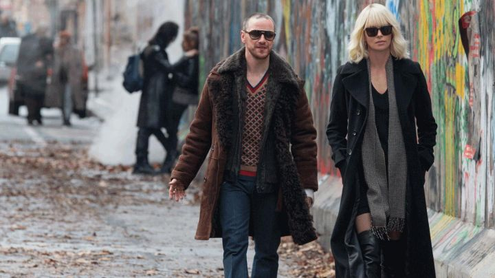 Fashion Trends 2021: The pantyhose in fishnet black Lorraine Broughton (Charlize Theron) in Atomic Blonde