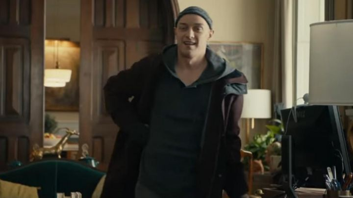 The parka bordeaux James McAvoy in Split - Movie Outfits and Products