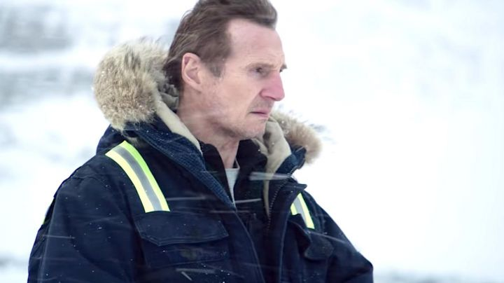 The parka jacket Carhartt worn by Personnel Coxman (Liam Neeson) in Cold Blood Movie