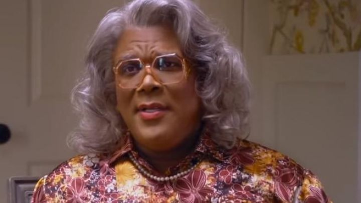 The pearl necklace Madea / Joe / Brian / Heathrow (Tyler Perry) in Tyler Perry's A Madea Family Funeral Movie