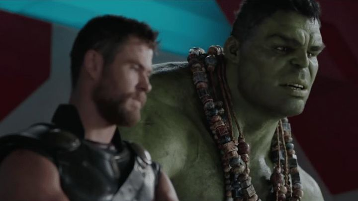The pearl necklace of the Hulk (Mark Ruffalo) in Thor : Ragnarok