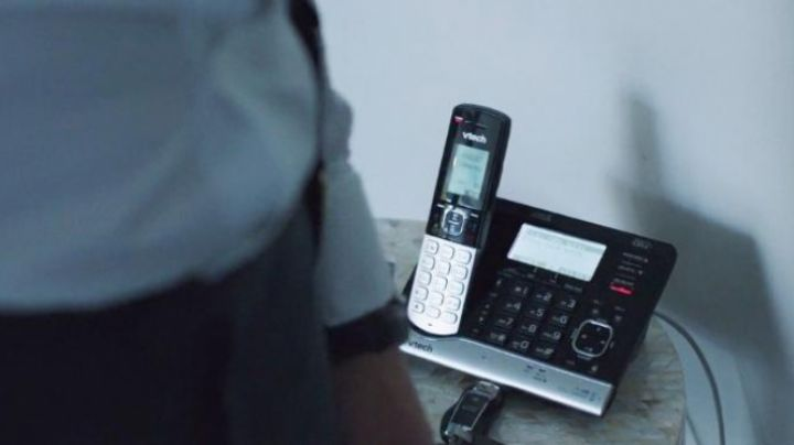 The phone seen in Demolition - Movie Outfits and Products