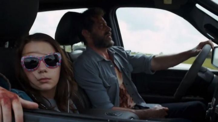 The pick-up Truck Ram white of Logan / Wolverine (Hugh Jackman) in Logan - Movie Outfits and Products