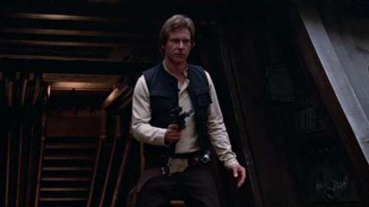 The pistol Blaster Han Solo (Harrison Ford) in Star wars - Movie Outfits and Products