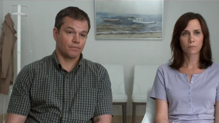 The plaid shirt with short sleeves Paul Safranek (Matt Damon) in Downsizing - Movie Outfits and Products