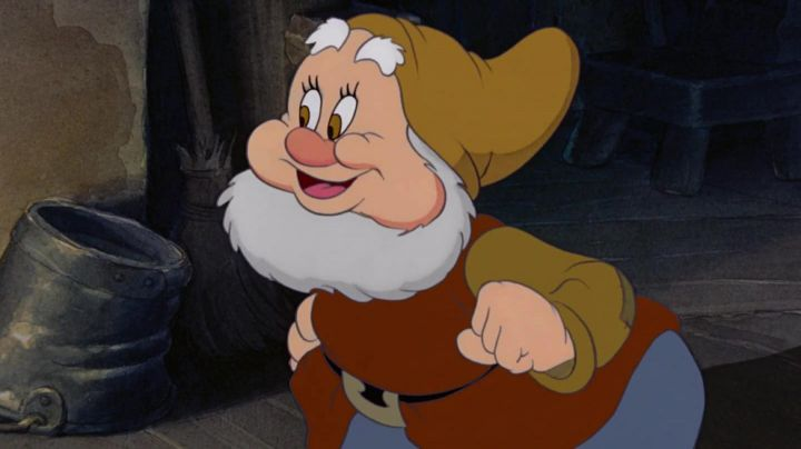 The  plush dwarf Happy in Snow White and the Seven Dwarfs - Movie Outfits and Products
