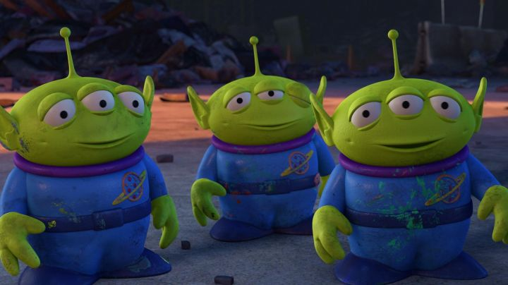 """The  plush of the alien """"The Pot"""" in Toy Story 3 - Movie Outfits and Products"""