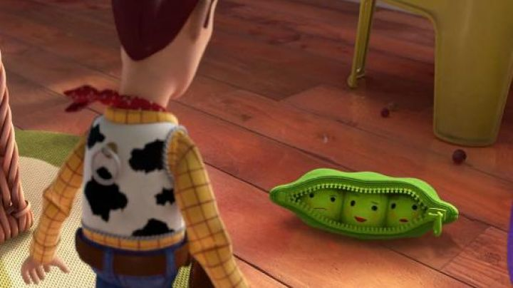 The  plush of the peas in Toy Story 3 - Movie Outfits and Products