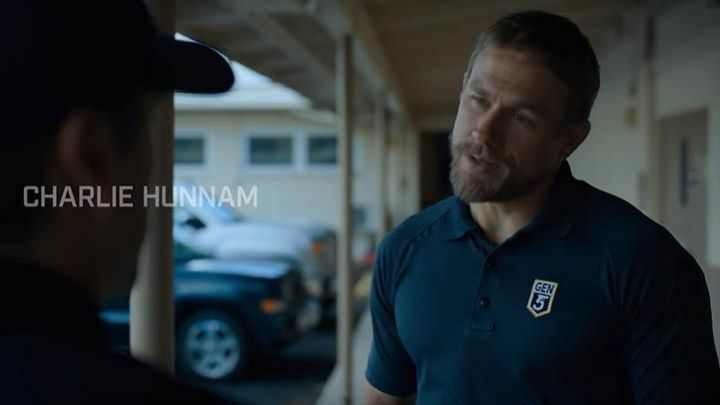 The polo Gen5 Glock USA William 'Ironhead' Miller (Charlie Hunnam) in Triple Frontier Movie