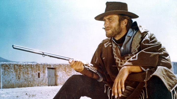 The poncho of the Penguin / Monco (Clint Eastwood) in for a few dollars more movie