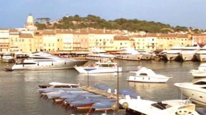 The port of Saint Tropez in The Hikers in St. Tropez - Movie Outfits and Products