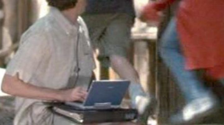 The portable Intermec 6651 of the employee Marty Wolf (Paul Giamatti) in Nasty Liar - Movie Outfits and Products
