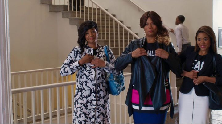 The printed dress horses Dina in Girls trip - Movie Outfits and Products
