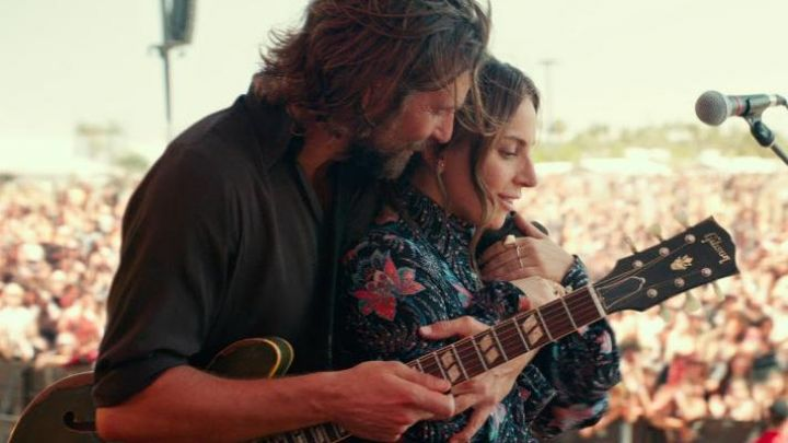 The printed shirt from Ally (Lady Gaga) in A Star Is Born Movie