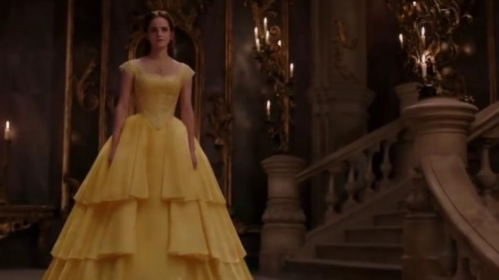 The prom dress in yellow little girl Belle (Emma Watson) in beauty and The Beast