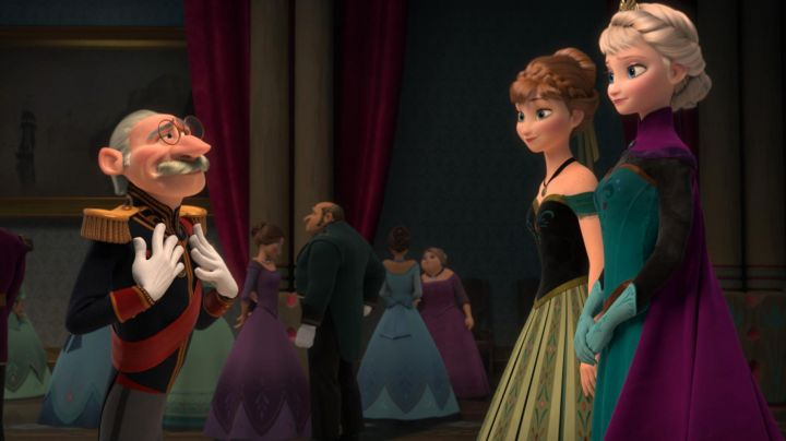 The prom dress of Elsa in The snow queen
