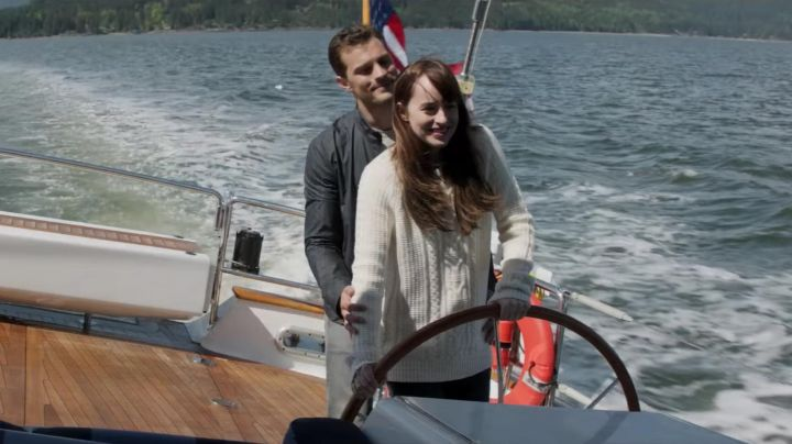 The pull of Anastasia Steele (Dakota Johnson) in Fifty shades darker movie