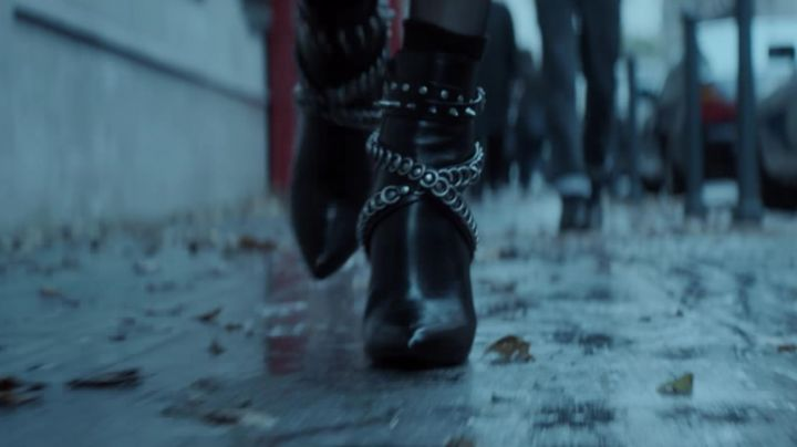 Fashion Trends 2021: The pumps Yves Saint Laurent of Lorraine Broughton (Charlize Theron) in Atomic Blonde