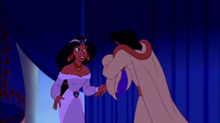 The purple dress of Jasmine in Aladdin - Movie Outfits and Products