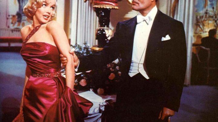Fashion Trends 2021: The purple dress of Marilyn Monroe in How to marry a millionaire