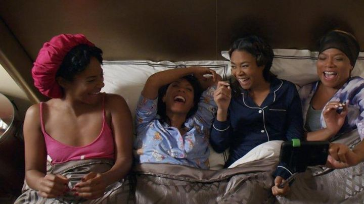The pyjama Ryan Pierce (Regina Hall) in Girls trip - Movie Outfits and Products