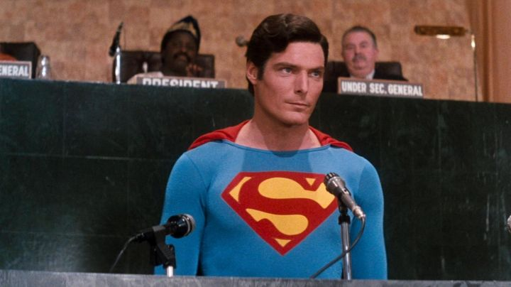 Fashion Trends 2021: The real Superman costume Christopher Reeve in Superman 4 : The Face-to-Face