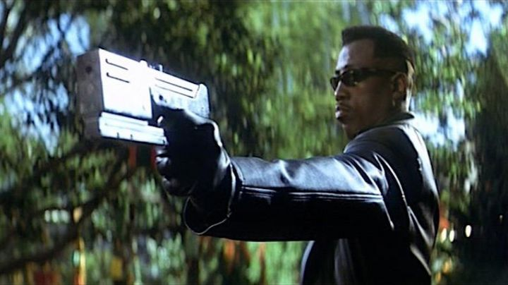 Fashion Trends 2021: The real gun Blade (Wesley Snipes) in Blade