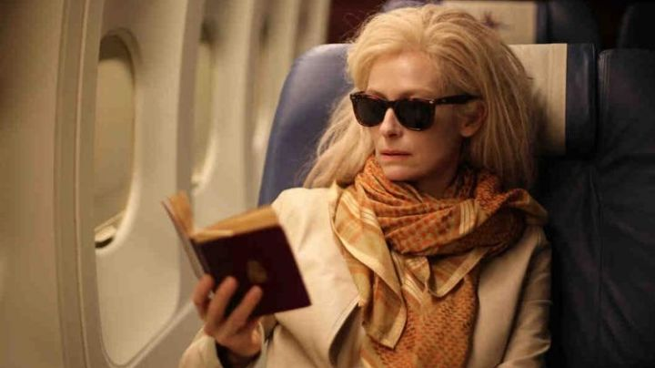 The rectangular sunglasses Eve (Tilda Swinton) in Only Lovers Left Alive - Movie Outfits and Products