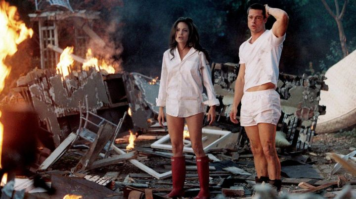 The red boots Hunter worn by Jane Smith (Angelina Jolie) in Mr. and Mrs. Smith movie