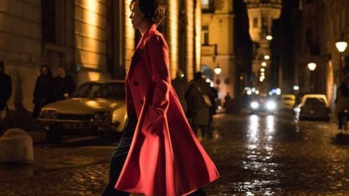Fashion Trends 2021: The red coat of Lorraine Broughton (Charlize Theron) in Atomic Blonde