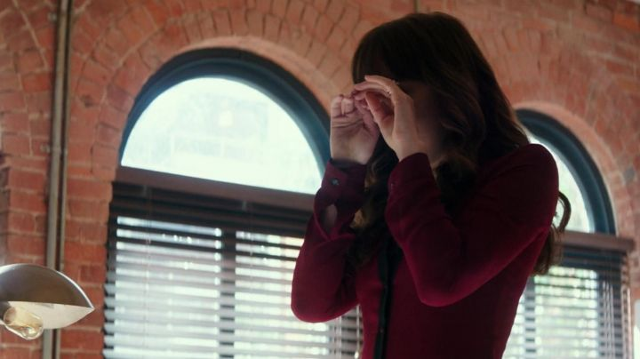 The red dress, The Kooples of Anastasia Steele (Dakota Johnson) in 50 shades lighter - Movie Outfits and Products