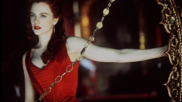 The red dress of Satine (Nicole Kidman) in the movie Moulin Rouge Movie