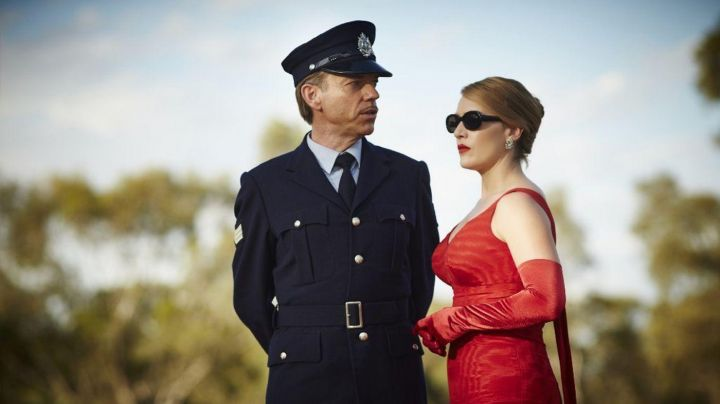 The red gloves feature of Tilly Dunnage (Kate Winslet) in Haute Couture - Movie Outfits and Products