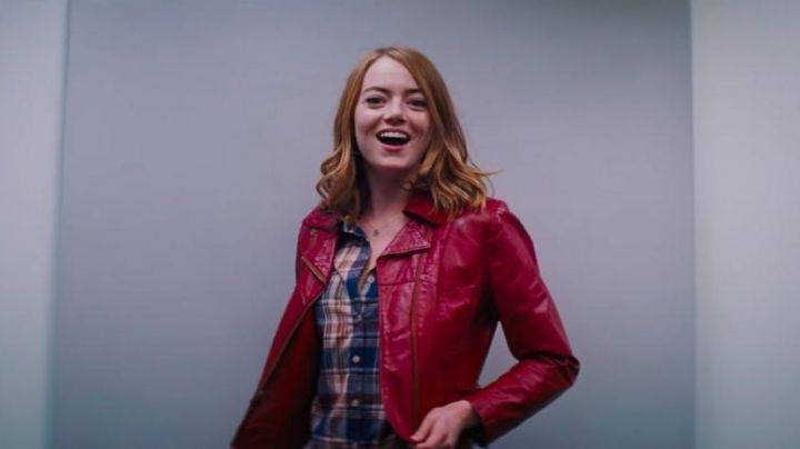 Fashion Trends 2021: The red jacket leather Mia (Emma Stone) in the The Land