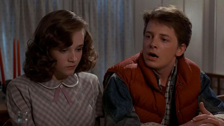 Fashion Trends 2021: The red jacket of Marty McFly (Michael J. Fox) in Back to the future