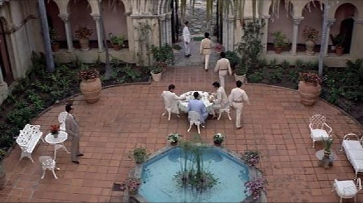 The remains of Alejandro Sosa (Paul Shenar) in Scarface - Movie Outfits and Products