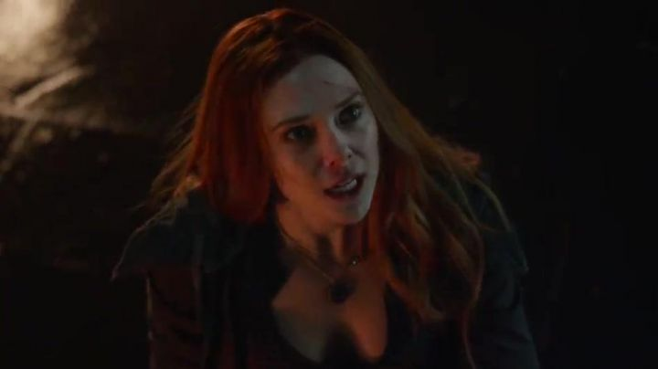 The reply of necklaces of Scarlet Witch (Elizabeth Olsen) in Avengers : Infinity War Movie