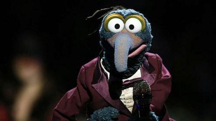 The reply of the plush Gonzo in the movie The muppets, the return - Movie Outfits and Products