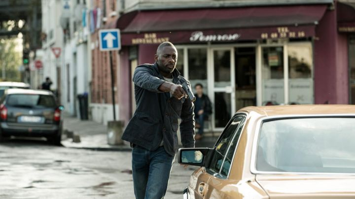 The restaurant and bar Pomrose in Aubervilliers on Bastille Day (Idris Elba) - Movie Outfits and Products