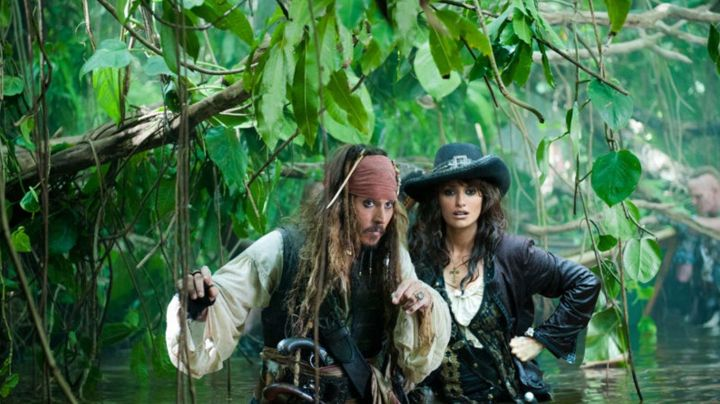Fashion Trends 2021: The ring of Jack Sparrow (Johnny Depp) in Pirates of the Caribbean - The Fountain of youth