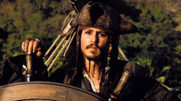 Fashion Trends 2021: The ring of Jack Sparrow (Johnny Depp) in Pirates of the Caribbean - at world's end