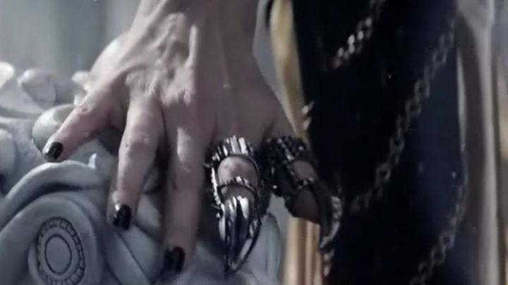 Fashion Trends 2021: The ring of Ravena (Charlize Theron) in The hunter and the ice queen