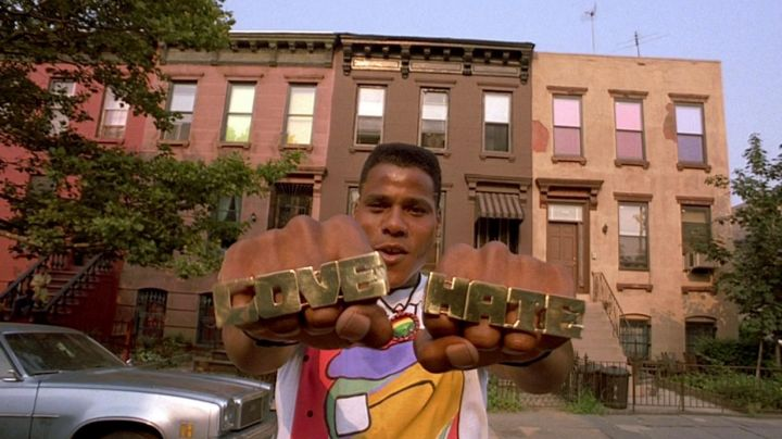 """The rings 4 fingers """"Hate"""" """"Love"""" Radio Barjo (Bill Nunn) in Do the right thing - Movie Outfits and Products"""